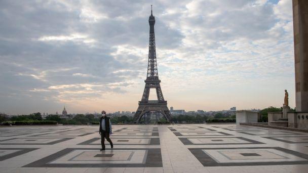 Se prepara Francia para impacto de la tercera ola de COVID19