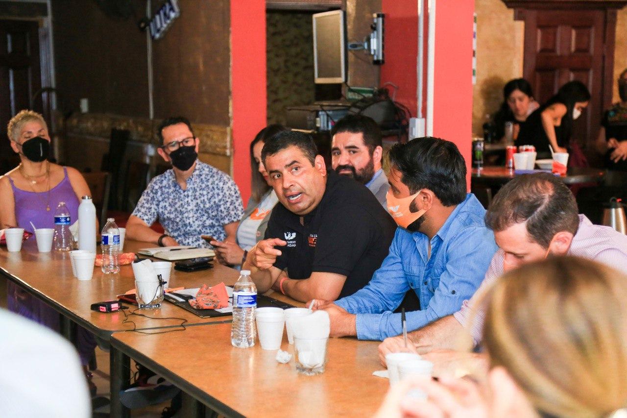 Se compromete El Caballo Lozoya a respaldar a dueños de bares y cantinas