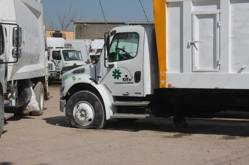 Paro laboral de empleados de Klifer impide recolección de basura
